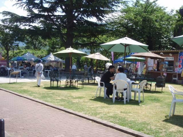 中野バラ祭り休憩場所